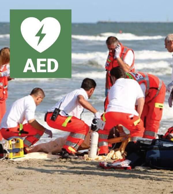 Arresto cardiaco in spiaggia : fondamentale il defibrillatore