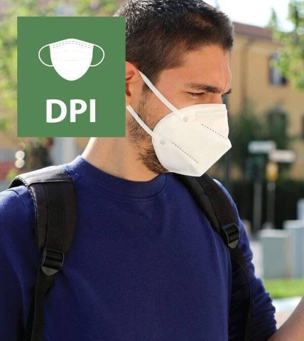 Mascherine chirurgiche, FFP2 e FFP3 N95 KN95: differenza, durata e come usarle contro il Coronavirus